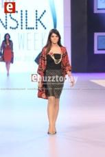 Shehla-Chatoor-pfdc-sunsilk-fashion-week-psfw2014-ebuzztoday-43