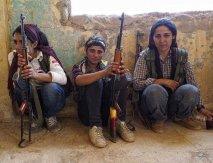 مقاومت زنان کوبانی در برابر نیروهای داعش