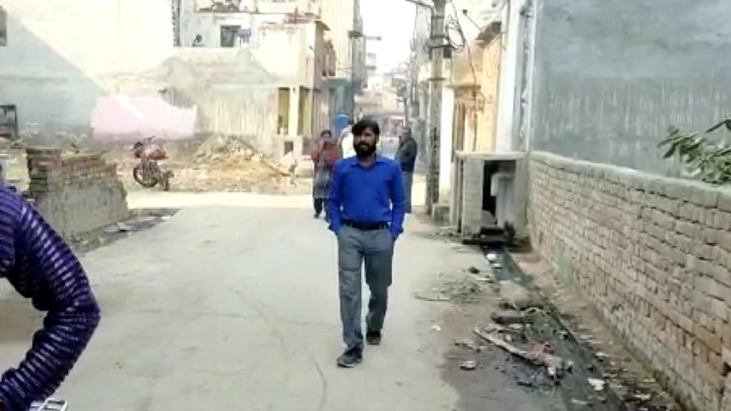 किराड़ी एरिया के प्रेम नगर एरिया में फायरिंग चार लोगों को लगी गोली