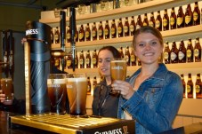 """Pouring the """"perfect Guinness pint"""""""