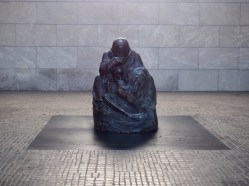 Mother with her Dead Son Sculpture