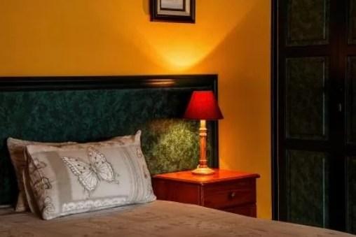 bedroom-462772_1920