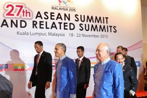 President Barack Obama, left, and Malaysian Prime Minister Najib Razak, right, prepare for a summit event at the Kuala Lumpur Convention Centre on Nov. 20, 2015. (US State Department photo)