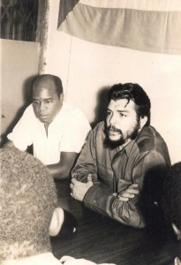 Guevara and Eduardo Mondlane in Tanzania - 1965 - Photo Source: wavuti.com