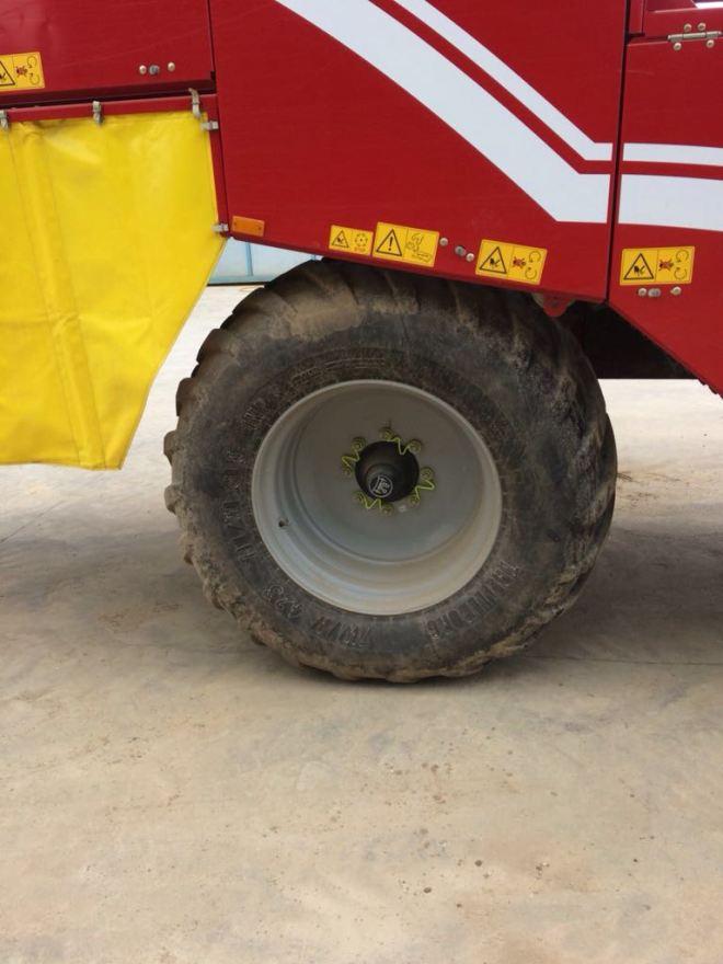 Grimme SE 150-60 NB XXL achterwiel