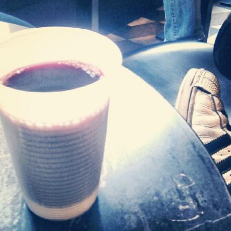 Wijn in plastic pintjes? Tsjeverij!