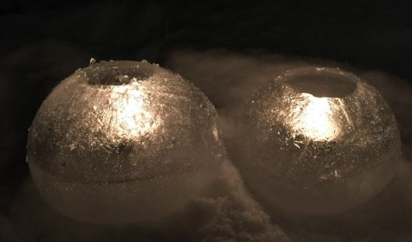 lyslygter af is