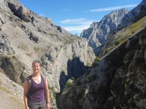 walk-4-n-at-cares-gorge