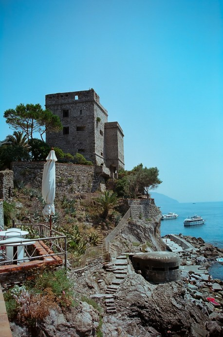 The castle that separates the two beaches.