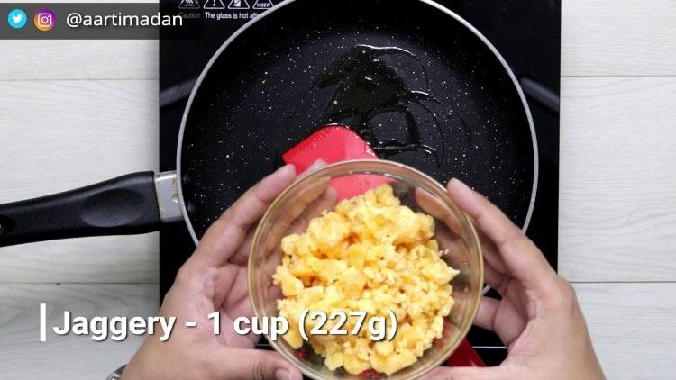 PeanutChikki - Step3 -add jaggery