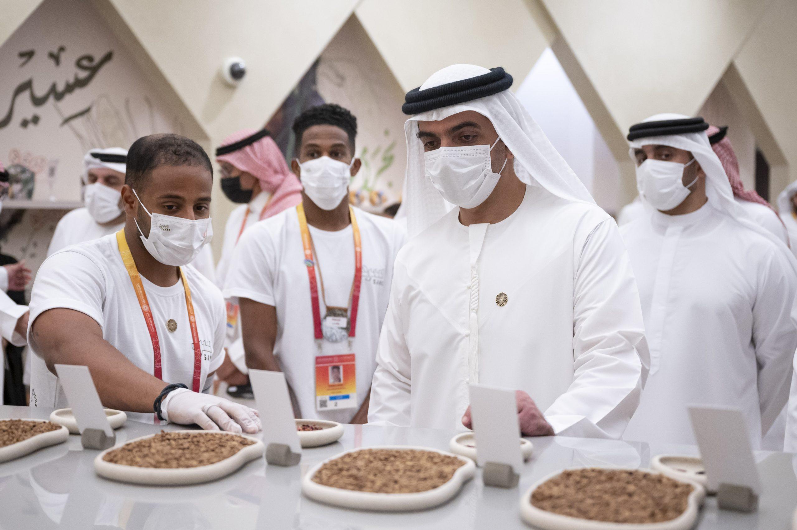 حامد بن زايد يزور إكسبو 2020 دبي