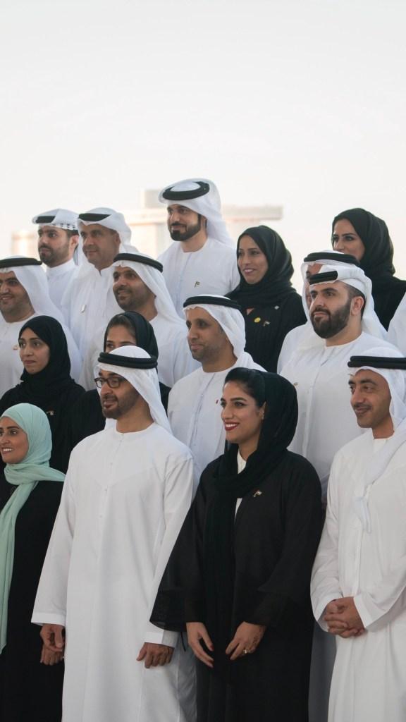 #محمد_بن_زايد يستقبل وفدا من البرنامج الوطني للسعادة والايجابية.