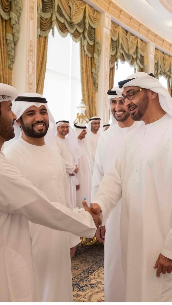 """#محمد_بن_زايد يستقبل اللجنة المنظمة لبرنامج الملتقى الوطني للطلبة المبتعثين """" #ملتقى_عيال_زايد"""" """