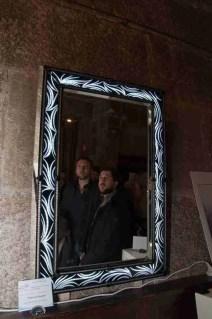 Specchio con corncie a led