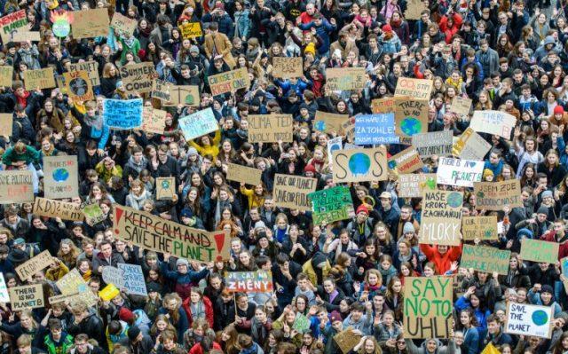Ante la emergencia climática si los sindicatos no convocan huelga, CERRAMOS