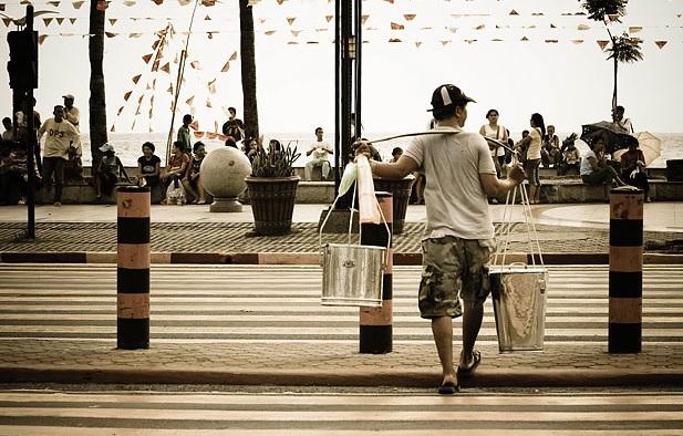 Roxas Boulevard. Photo: Flickr/Zer Cabatuan