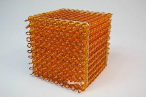 182 - Cube de 100 Perles Dorées