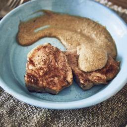 Lomo de cerdo ibérico sous vide con salsa de boletus