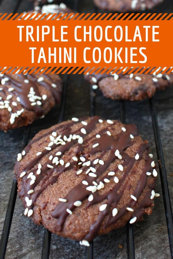 Triple Chocolate Tahini Cookies: the ultimate Vegan Chocolate Cookies! This easy cookies recipe may be an healthy one, it is still an incredibly indulgent and moorish one with not only one, not only two but 3 chocolate layers!