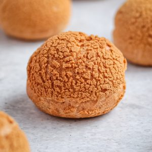 Close up on a Choux on a grey surface