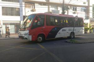 Motorista levou vítimas até o HPS em Porto Alegre Foto: Marcelo Kervalt / Agência RBS
