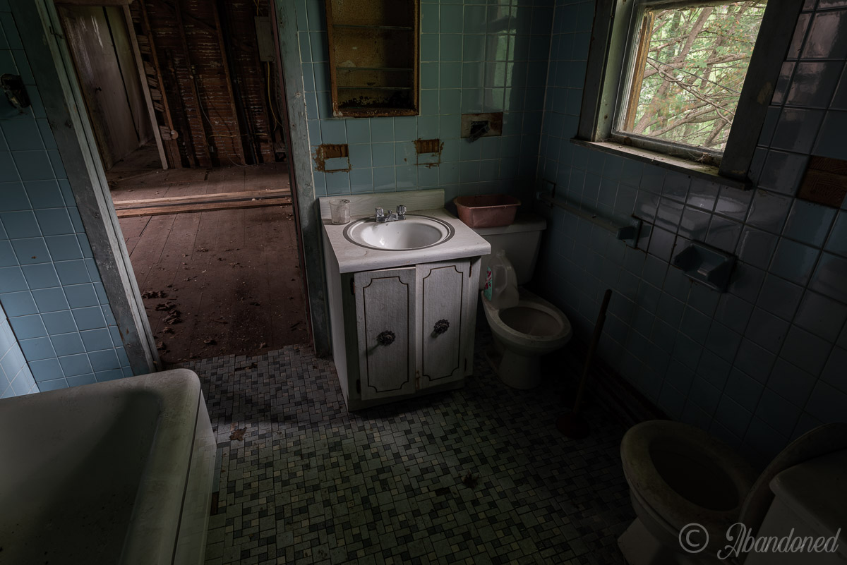 Abandoned Dutchess County House Bathroom