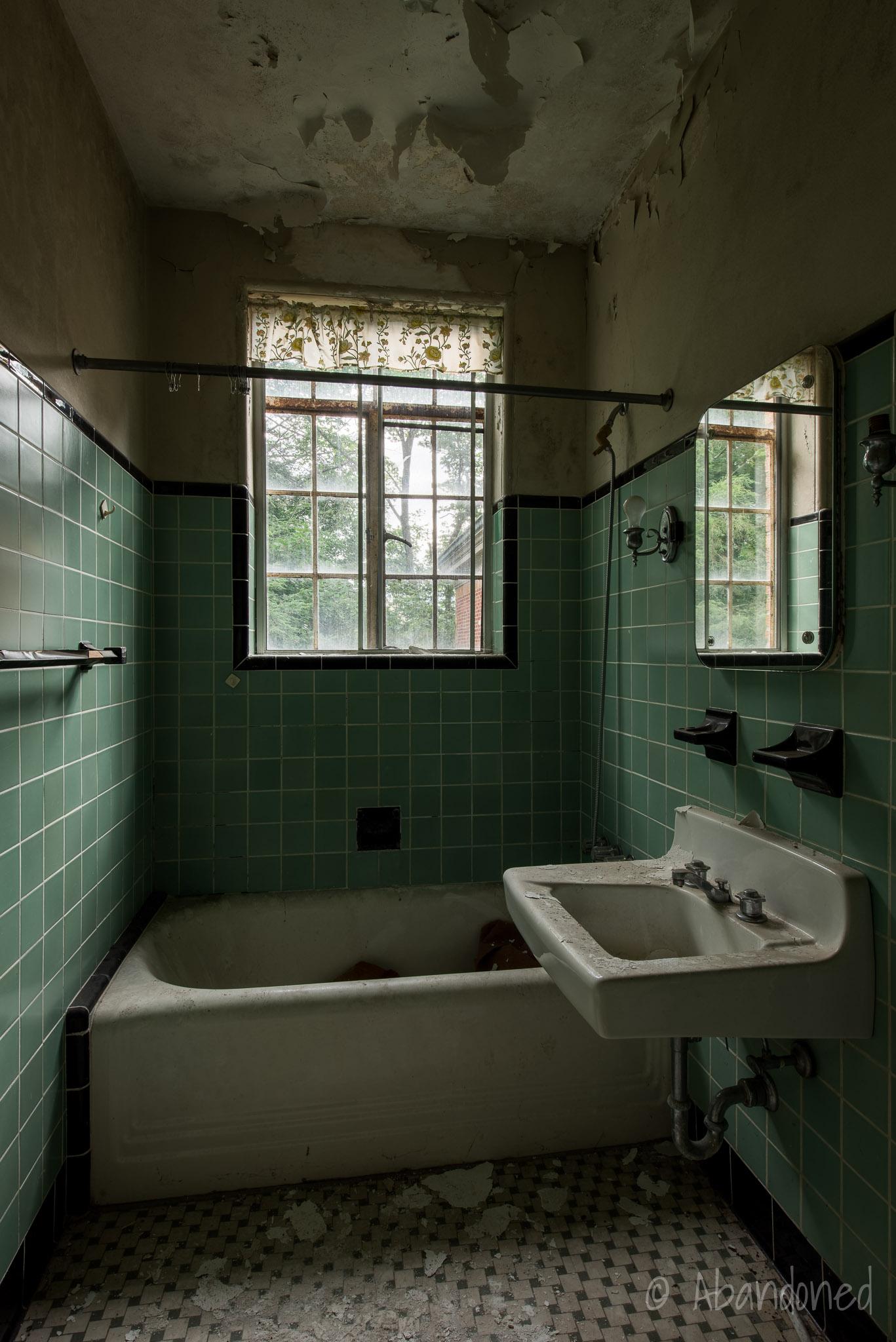 Yeager Estate Bathroom