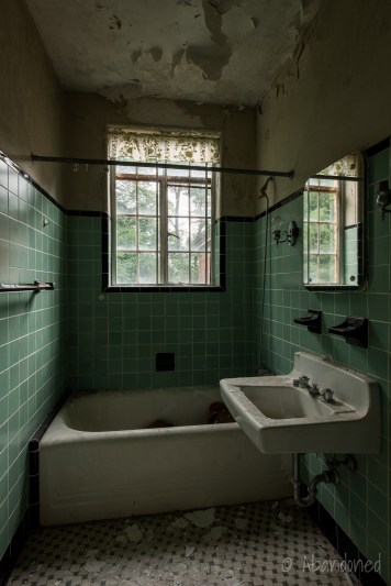 Yeager Estate Bathroom