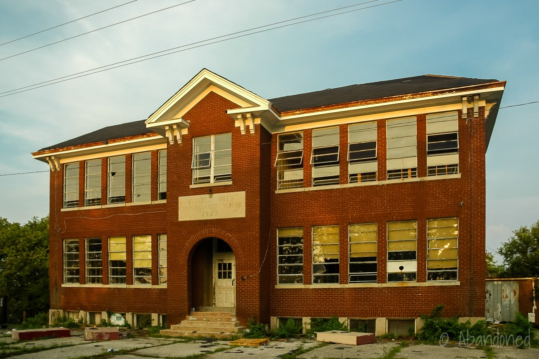 Ruddles Mills School