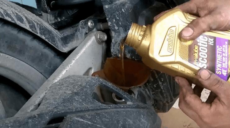 Akibat Lupa Ganti Oli Mesin Motor