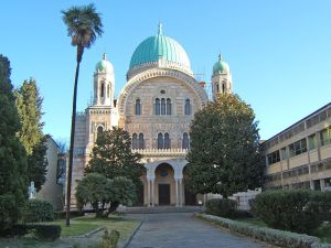 Author: Toksave, Wikipedia Commons Synagogue in Florence, Italy