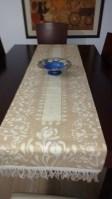 Caminos de mesa hechos a mano en Batik. Arte en accesorios para decoración de interiores.
