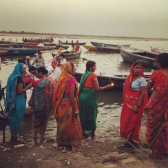 Women on the banks of the Ganges, Varanasi