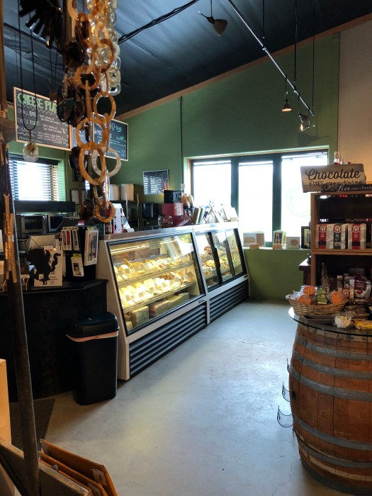 lake chelan winery and cheese shop