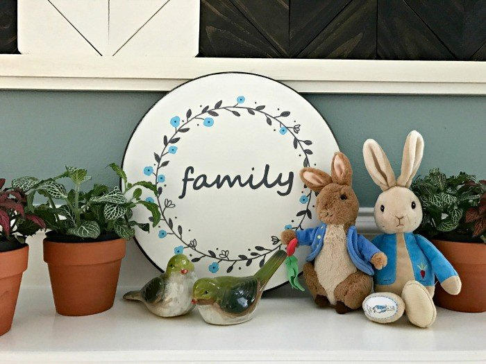DIY Reversible Sign Decor for all Seasons