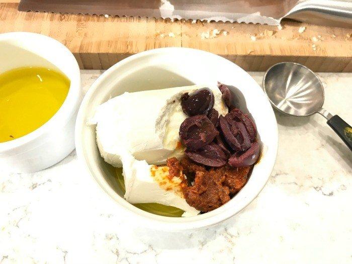 Easy Mediterranean Goat Cheese Spread