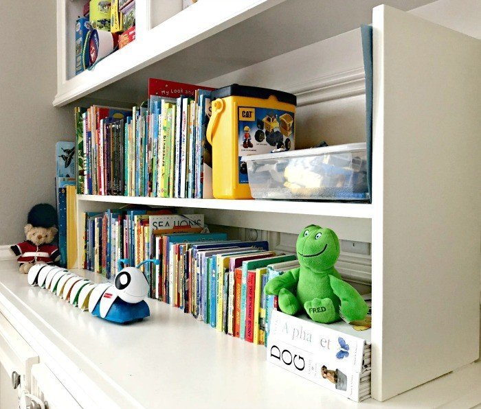 Side view of the Plywood Book Shelf. Plywood DIY Kids Book Storage Ideas. Works with Lumber & MDF too. This is a great scrap wood build.