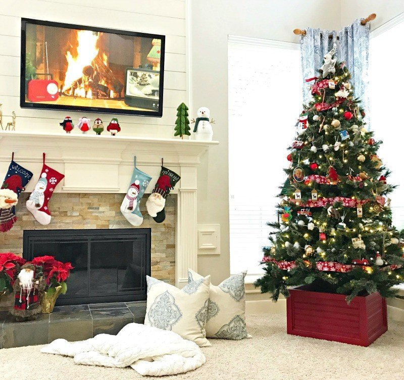 Fun Colorful Living Room Christmas Decorations