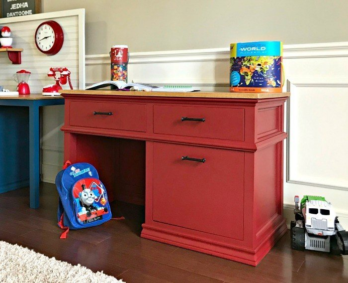 DIY Kids Desk with Storage – Woodworking Plans
