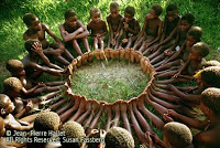 Efe children from the Ituri rainforest in the Congo, playing Osani, another circle game about love. www.connectingdotz.com