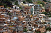 Enquanto mais de 1 bilhão de pessoas carecem de moradias adequadas no mundo, o estoque de moradias desocupadas está gradualmente aumentando, lembrou o diretor-executivo do ONU-Habitat. Foto: EBC