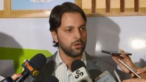 Ministro anunciou repasse de mais de R$ 20 milhões para programa de reforma de casas nos municípios do Acre. Foto: Reprodução/Rede Amazônica Acre