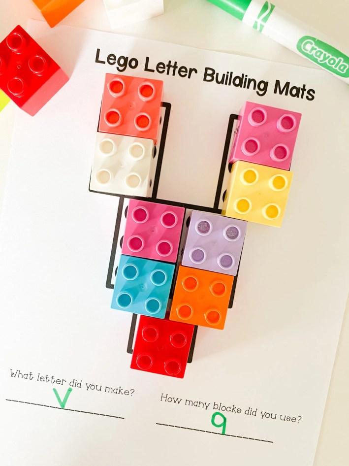 letter v lego mat