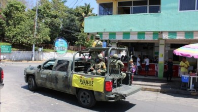 Photo of Con perifoneo piden no salir de sus casas en Petatlán por Covid 19