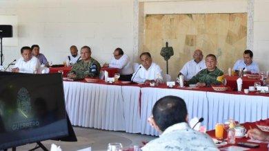 Photo of Gobernador Astudillo e Integrantes de la Mesa Estatal evalúan despliegue y operativos de seguridad y salud, en la siete regiones .