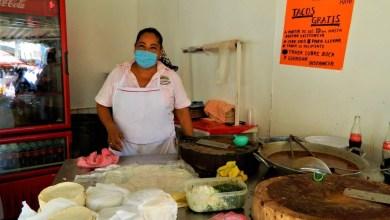 """Photo of Taquería del mercado """"Solidaridad"""" dona órdenes a gente necesitada"""