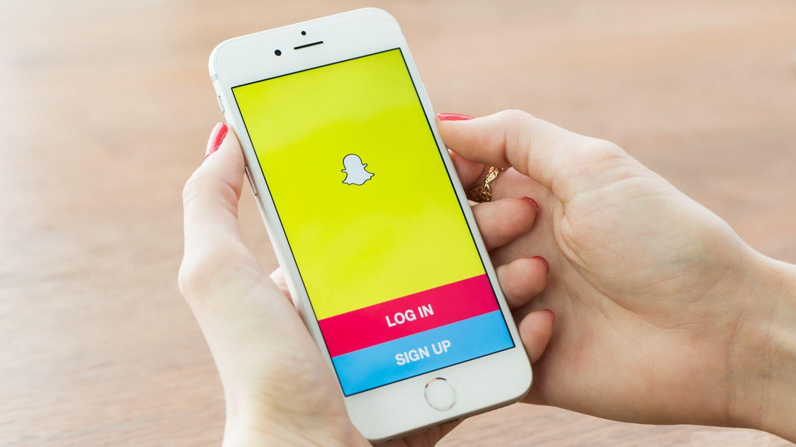 Snapchat app login on an iphone