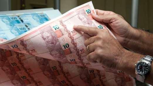 Sonhar com dinheiro de papel, o que significa?