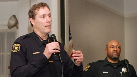 ap police chief iphone lpl 120525 wblog Berkeley Police Chief Defends Hunt for Sons iPhone