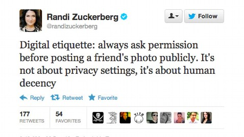 ht randi zuckerberg tweet lpl 121226 wblog Zuckerbergs Sister Unhappy When Facebook Photo Goes Public